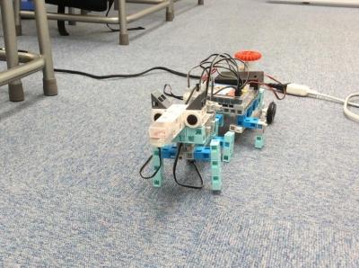 子どもたちの作ったロボット①
