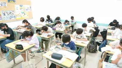 みんなでテストに向けて猛勉強中!